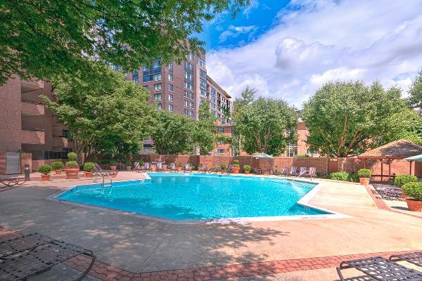 Arlington Apartments, Arlington, Virginia - 1 & 2 Bedroom  **NEW**