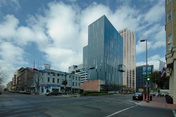 930 Poydras Street Apartments, 1 & 2 Bedrooms **NEW**