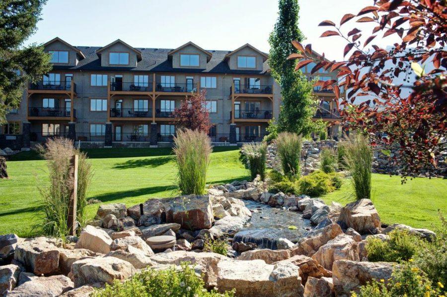 Bighorn Meadows Resort - 1, 2 & 3 bedroom apartments