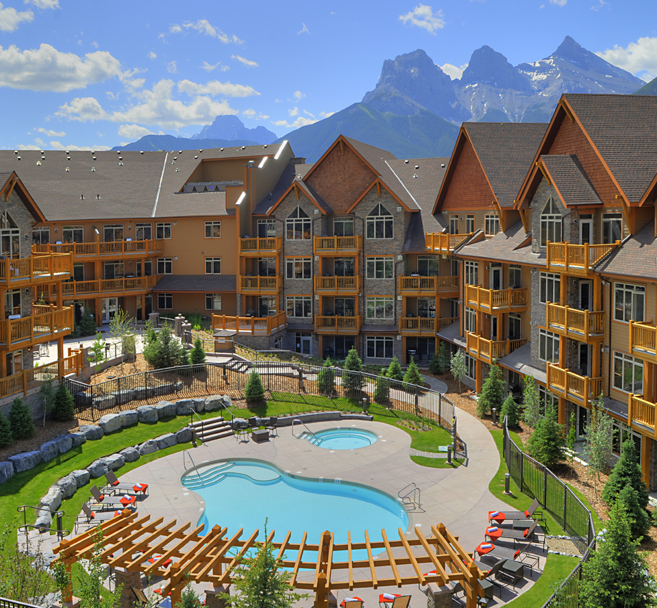 Stoneridge Mountain Resort - 1 and 2 bedroom apartments  **NEW**