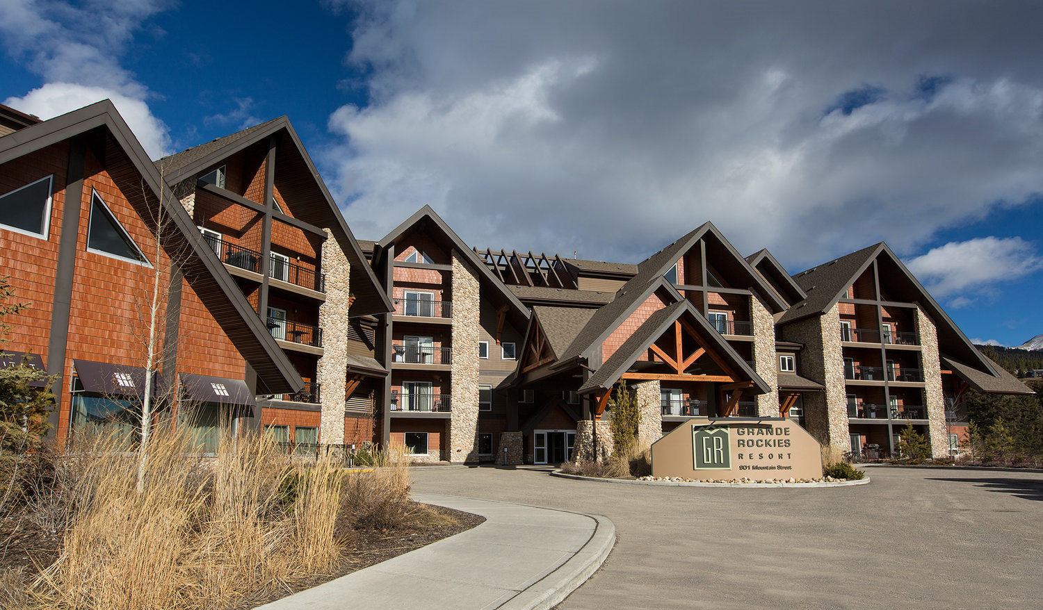 Grand Rockies Resort -  1 & 2 Bedroom Apartments  **NEW**