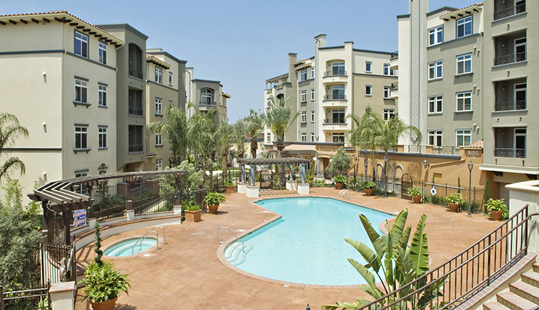 Playa del Oro 1 & 2 bedroom Apartments, Lincoln Boulevard **NEW**