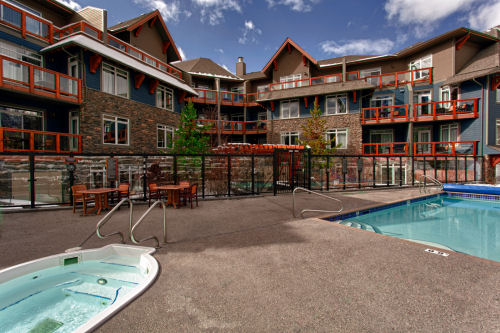 Blackstone Mountain Lodge - 1 & 2 bedroom apartments