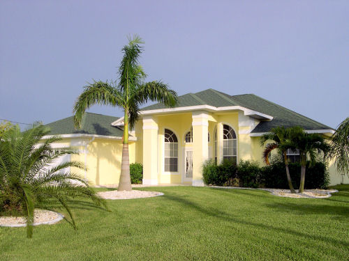 Cape Coral Waterfront Homes with Private Pool, 3 & 4 Bedrooms