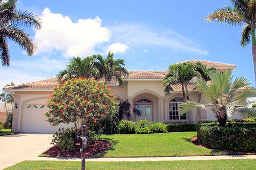 3 & 4 Bedroom - Marco Island Premier Waterfront Homes with Private Pool